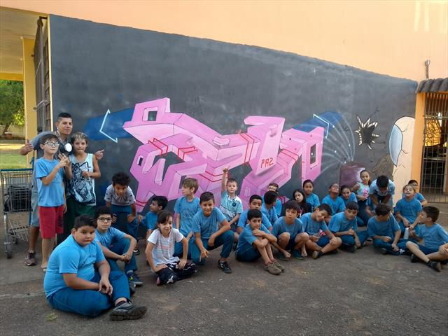 Alunos do 5ºC têm aula com grafiteiro Ferge