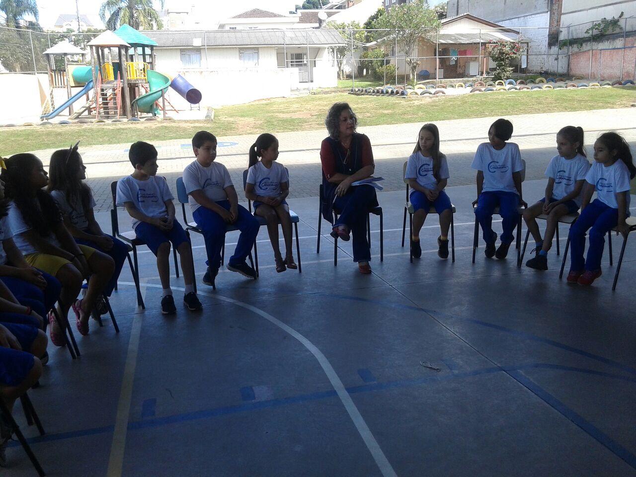 Círculo da Paz para conversa de uma melhor convivência escolar