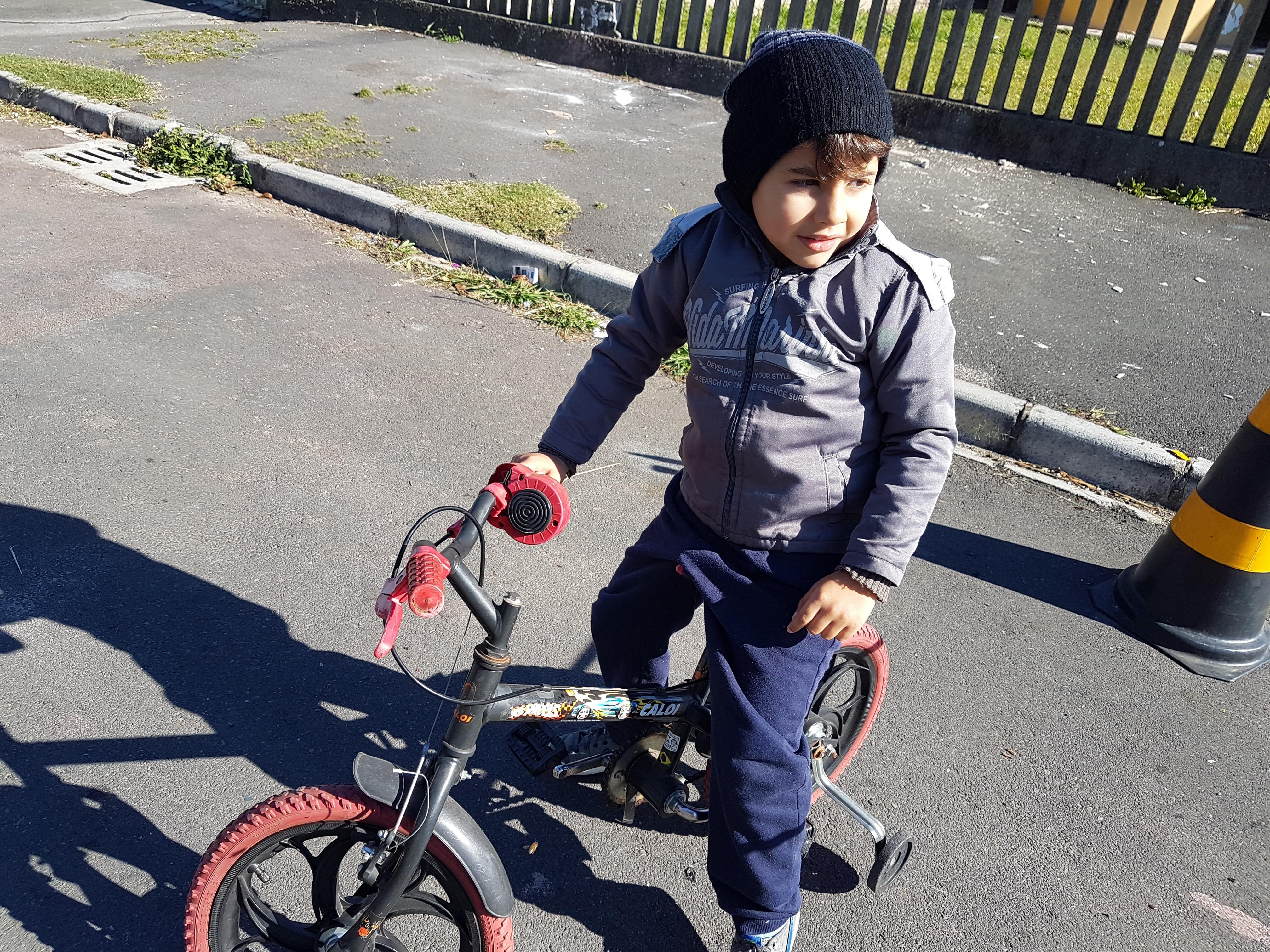 Dia da bicicleta e motoca
