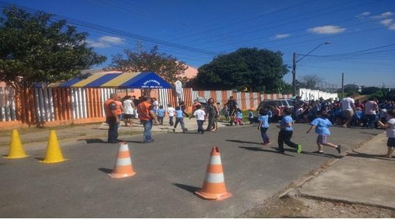 Estudantes da EM Santa Ana Mestra participam de si