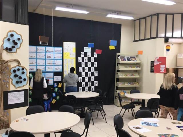 Escola Municipal Vila Torres Encanta a Comunidade com a Feira Literária