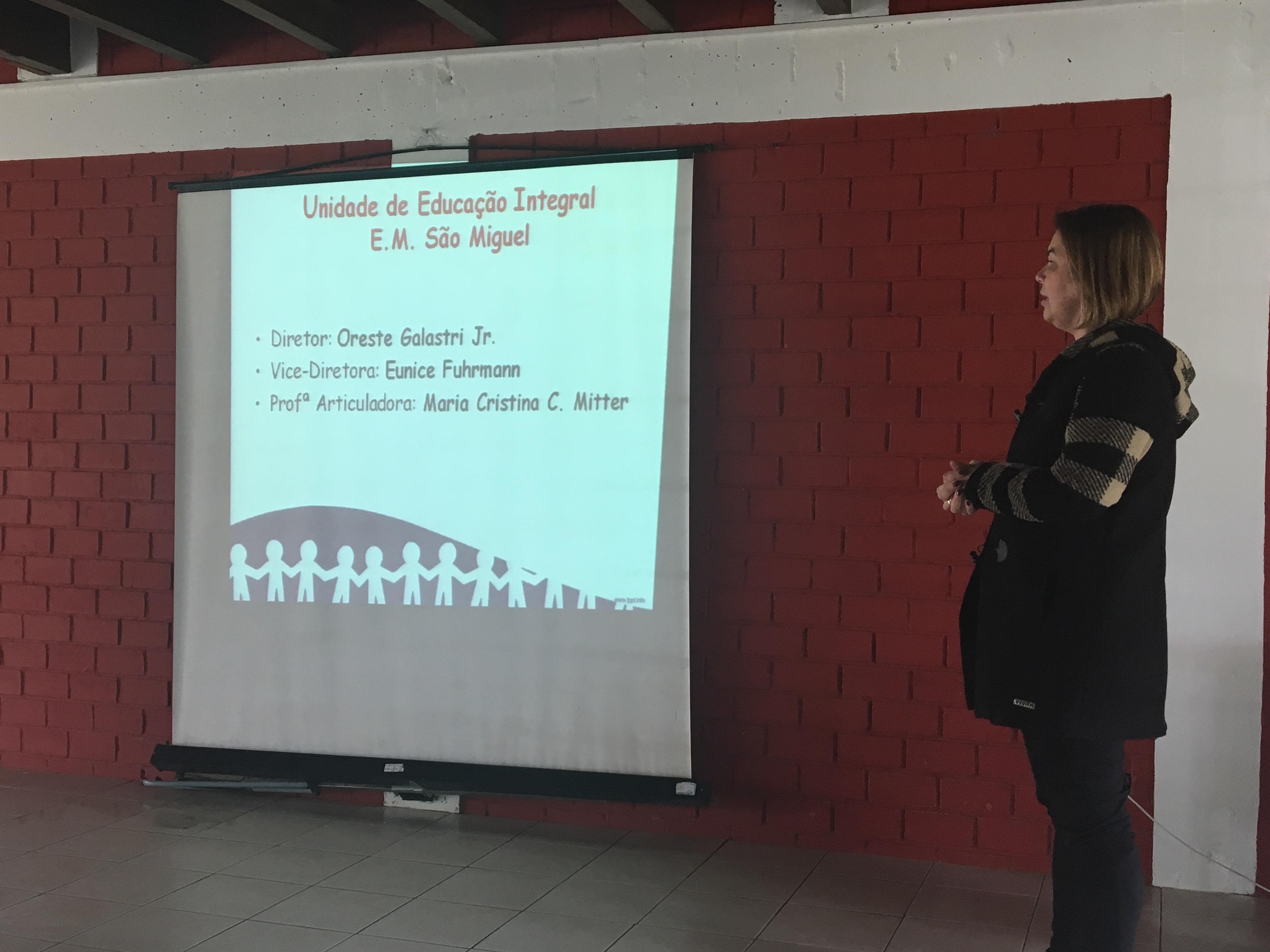 Articuladora da UEI São Miguel - Maria Cristina Caldas Mitter