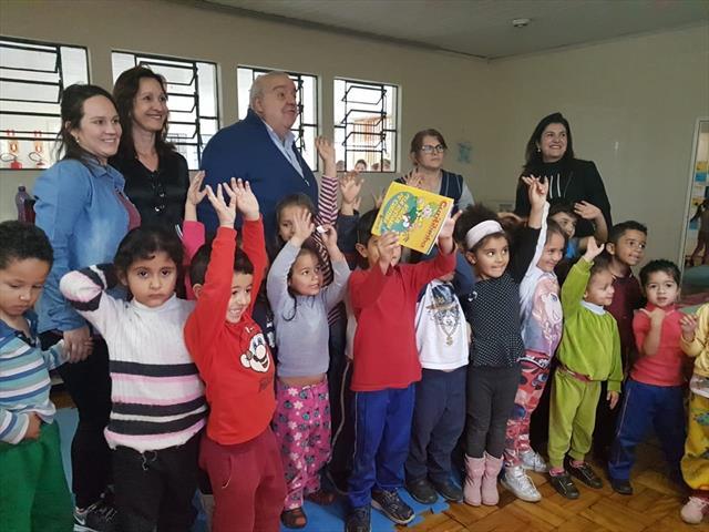 Visita do Prefeito Rafael Greca ao CMEI