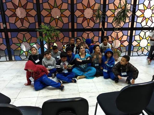 Programa Linha do Conhecimento tornando a sala de aula, do tamanho de Curitiba!