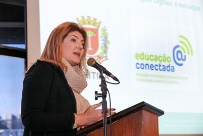 Educação Conectada leva internet mais rápida às escolas municipais