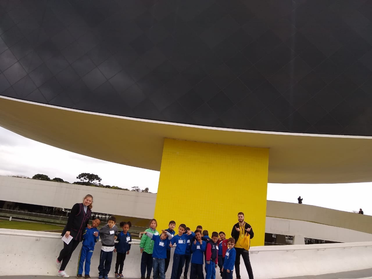 Alunos do 2º ano realizaram visita Monitorada ao Museu Oscar Niemeyer.