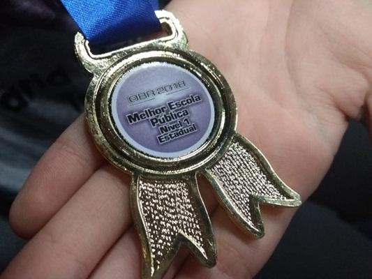 Curitiba ganha prêmio de melhor escola pública em campeonato de robótica