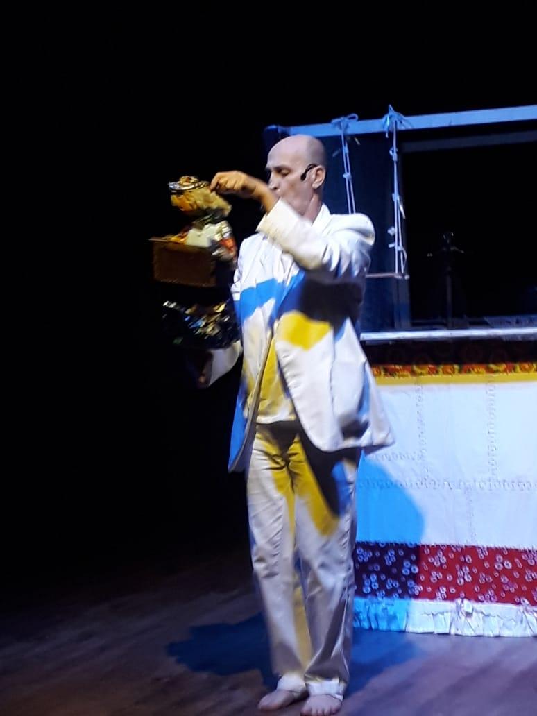 Teatro - Terezinha - história de amor e perigo.