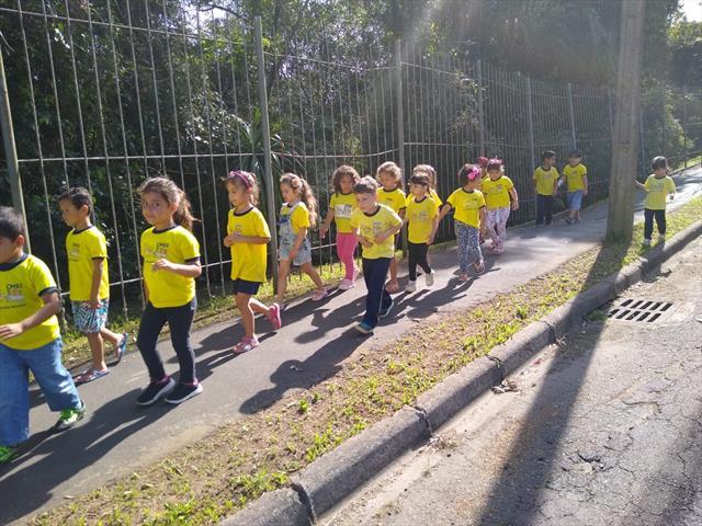 Aula no entorno e no Parque Nascentes do Rio Belém