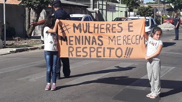 #Pelo fim da violência contra as mulheres.