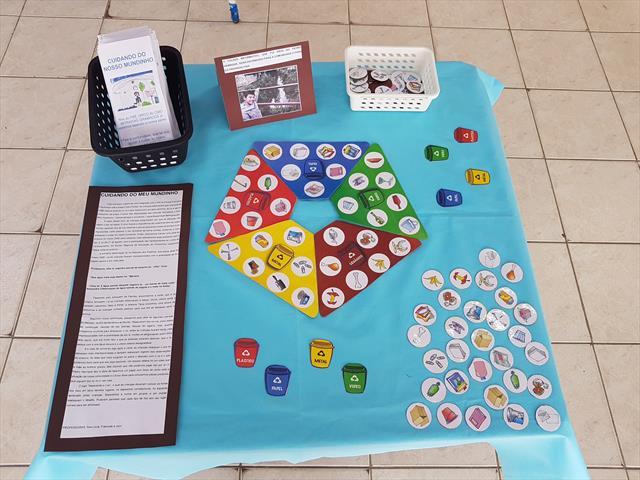 Exposição das produções infantis e Parâmetros e Indicadores de Qualidade