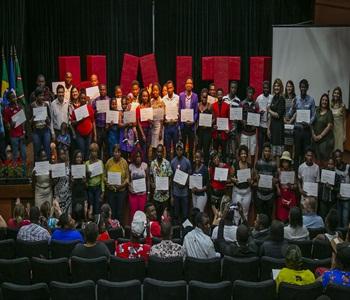 Noventa haitianos receberam seus certificados do C