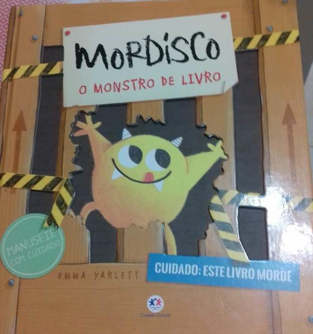 O Devorador de Livros Invandiu a Escola Caramuru!