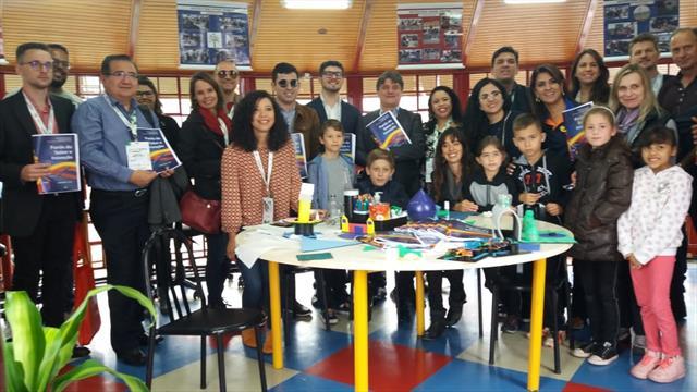 Participantes do Smart City Expo Curitiba 2019 conhecem o Farol do Saber e Inovação Manuel Bandeira