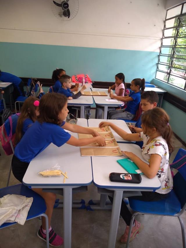 Metodologias ativas e o trabalho com material concreto na matemática