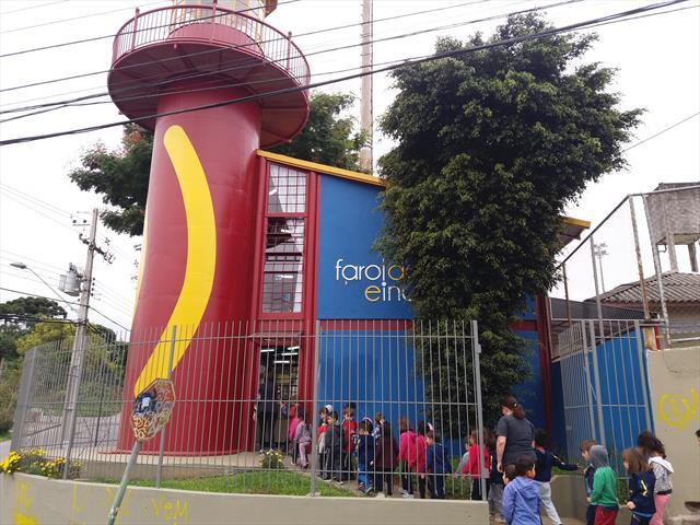 O CMEI Cinderela visita o Farol do Saber e Inovação Manuel Bandeira