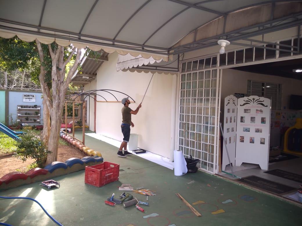 CMEI Ubatuba/Tambaú faz mutirão de pintura