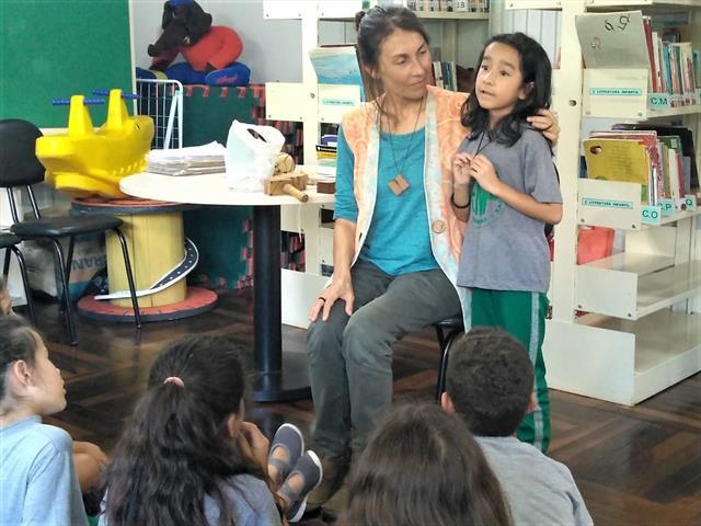 Projeto de incursões de leitura, na E. M. Paranaguá