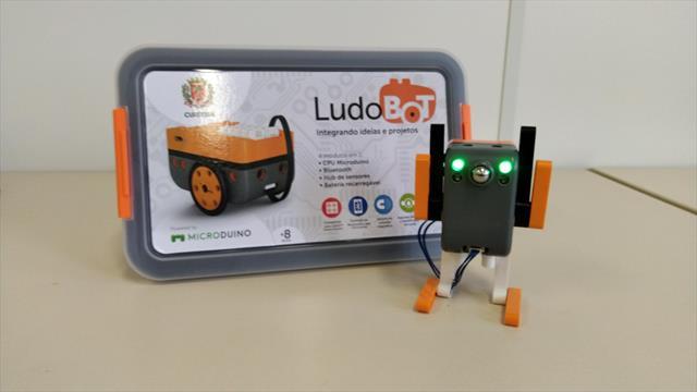 Escola recebe kit de robótica Microduíno