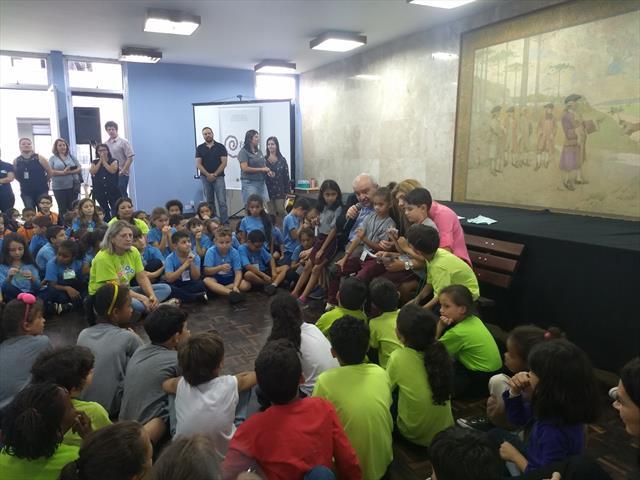 Estudantes da Escola Municipal Noely Simone De Avila conhecem a Prefeitura