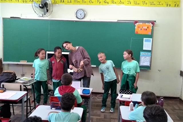 Projeto de incursões de leitura, na E. M. Adriano Gustavo Carlos Robini