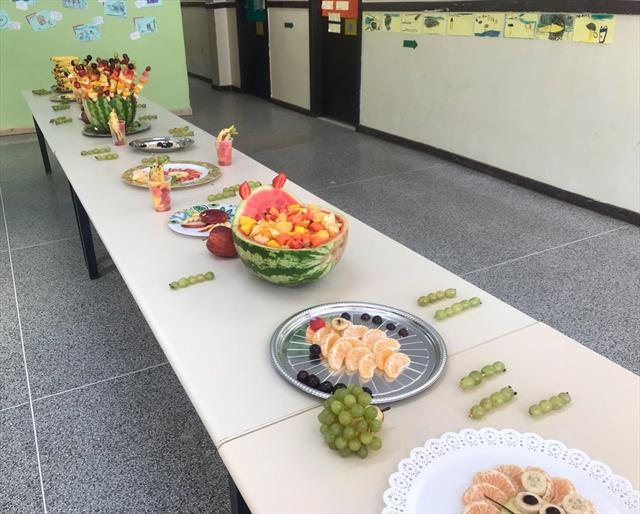 Páscoa das Frutas aconteceu na última quinta-feira (18/04) no CMEI Vila Califórnia e encantou crianças, famílias e toda a equipe.