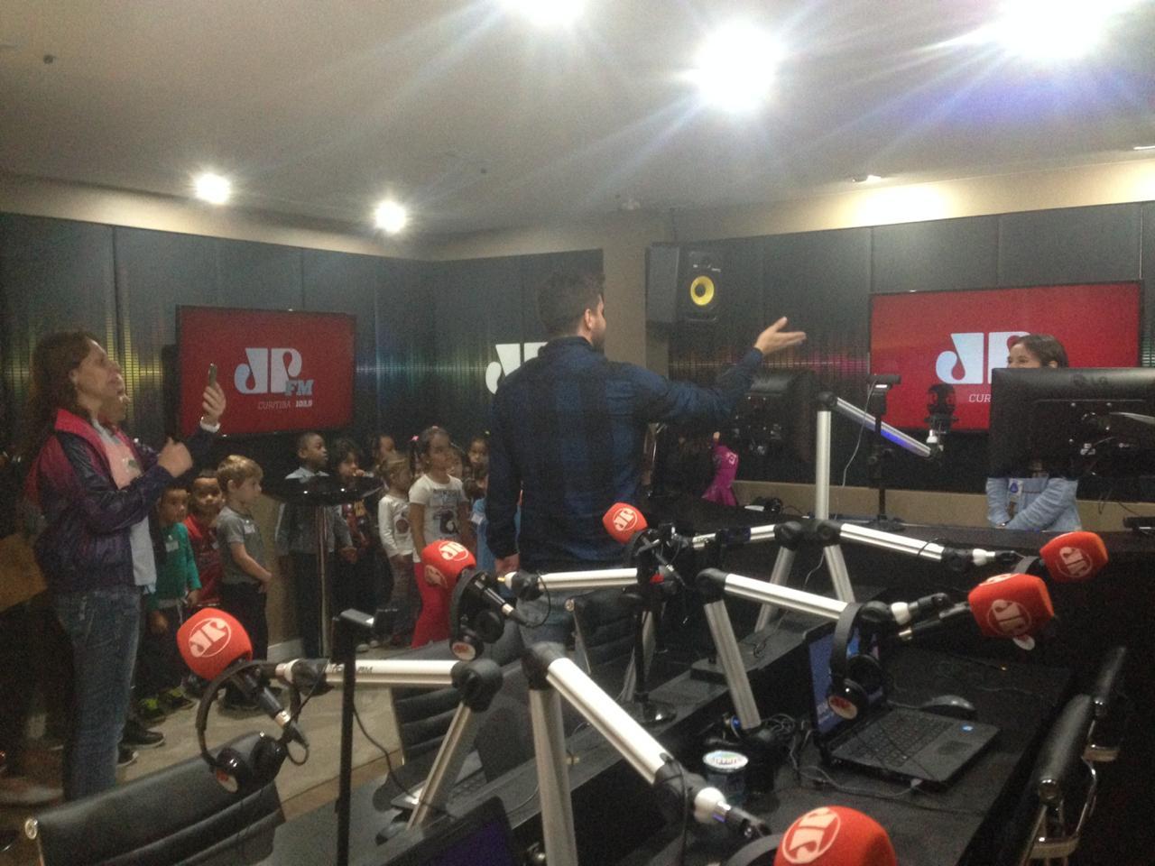 Rádio Jovem Pan 2 CMEI Vila Camargo 07/05/2019