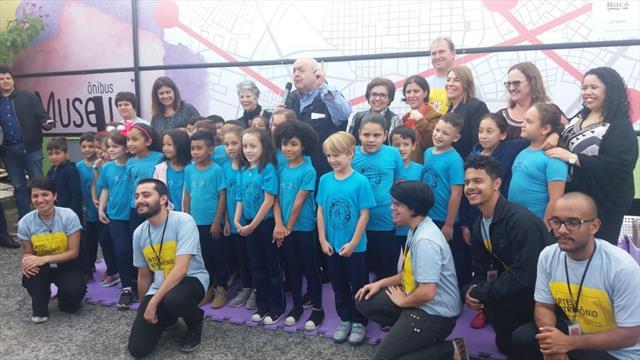 Lançamento do projeto Ônibus Museu na Escola Municipal Anísio Teixeira