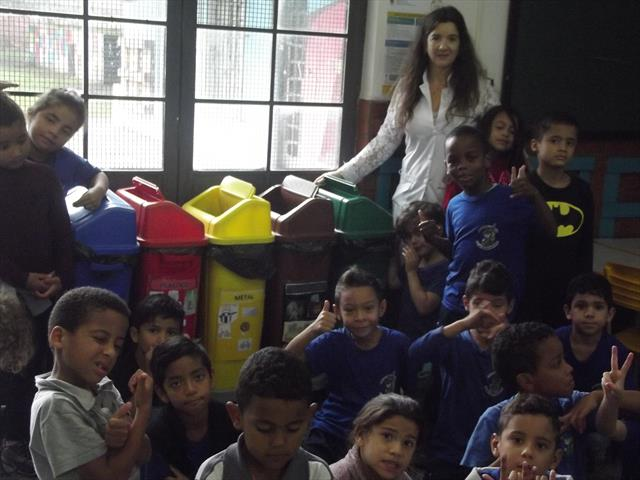 Estudantes da rede municipal separam resíduos sóli