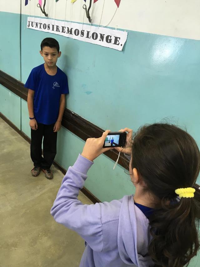 Quinto ano trabalha a criação poética com a utilização de câmera fotográfica e produção de vídeo