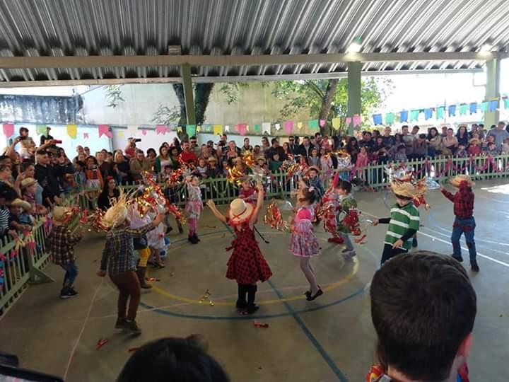 FESTAS JUNINAS NAS UNIDADES EDUCACIONAIS DE SANTA FELICIDADE