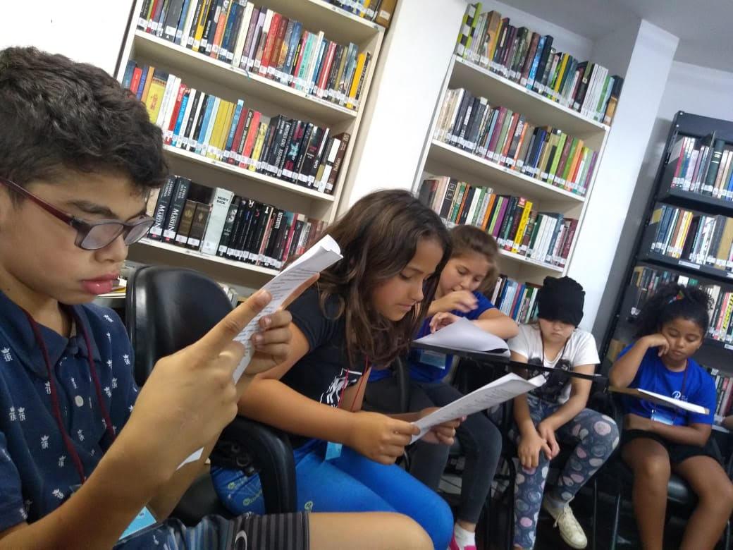 Roda de leitura e diversão