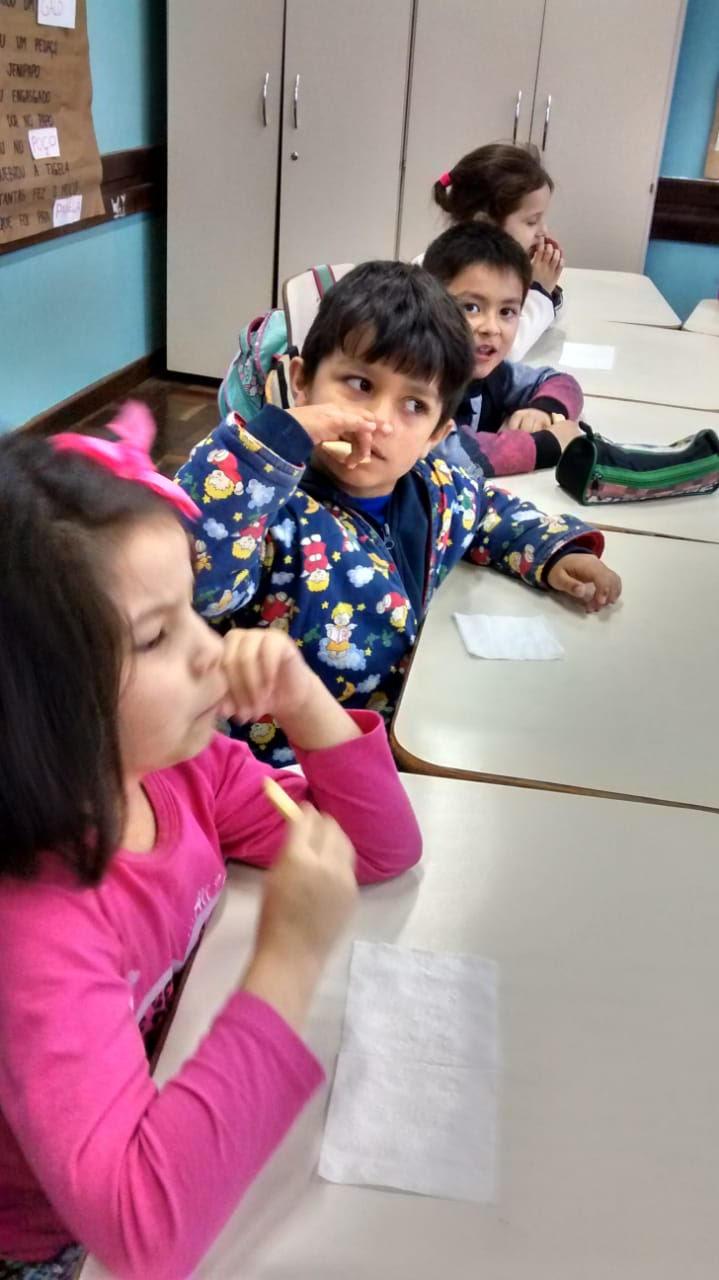 Professoras do primeiro ano utilizam bolacha Passatempo em uma abordagem interdi