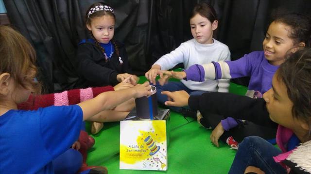 Crianças são incentivadas a compartilhar seus sent