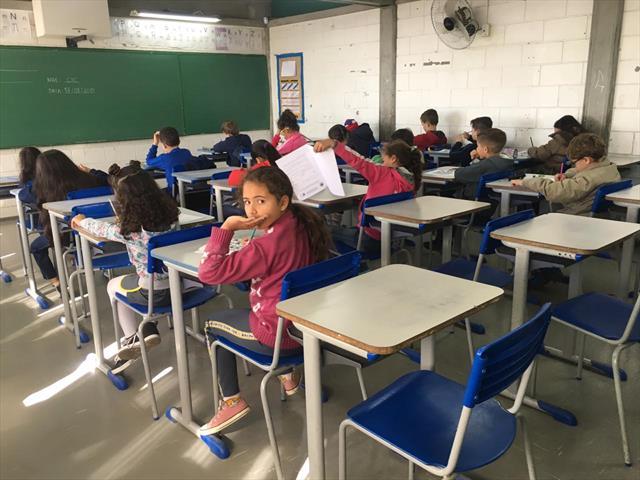 Estudantes da Regional CIC realizam a 2ª fase da Jornada de Matemática da SME com uma participação expressiva.