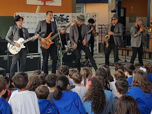 Apresentação da conceituada banda curitibana Big Time Orchestra