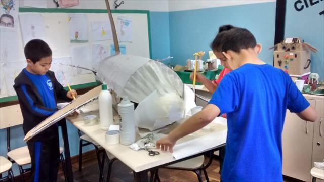 Estudantes constroem importante avião da aviação c