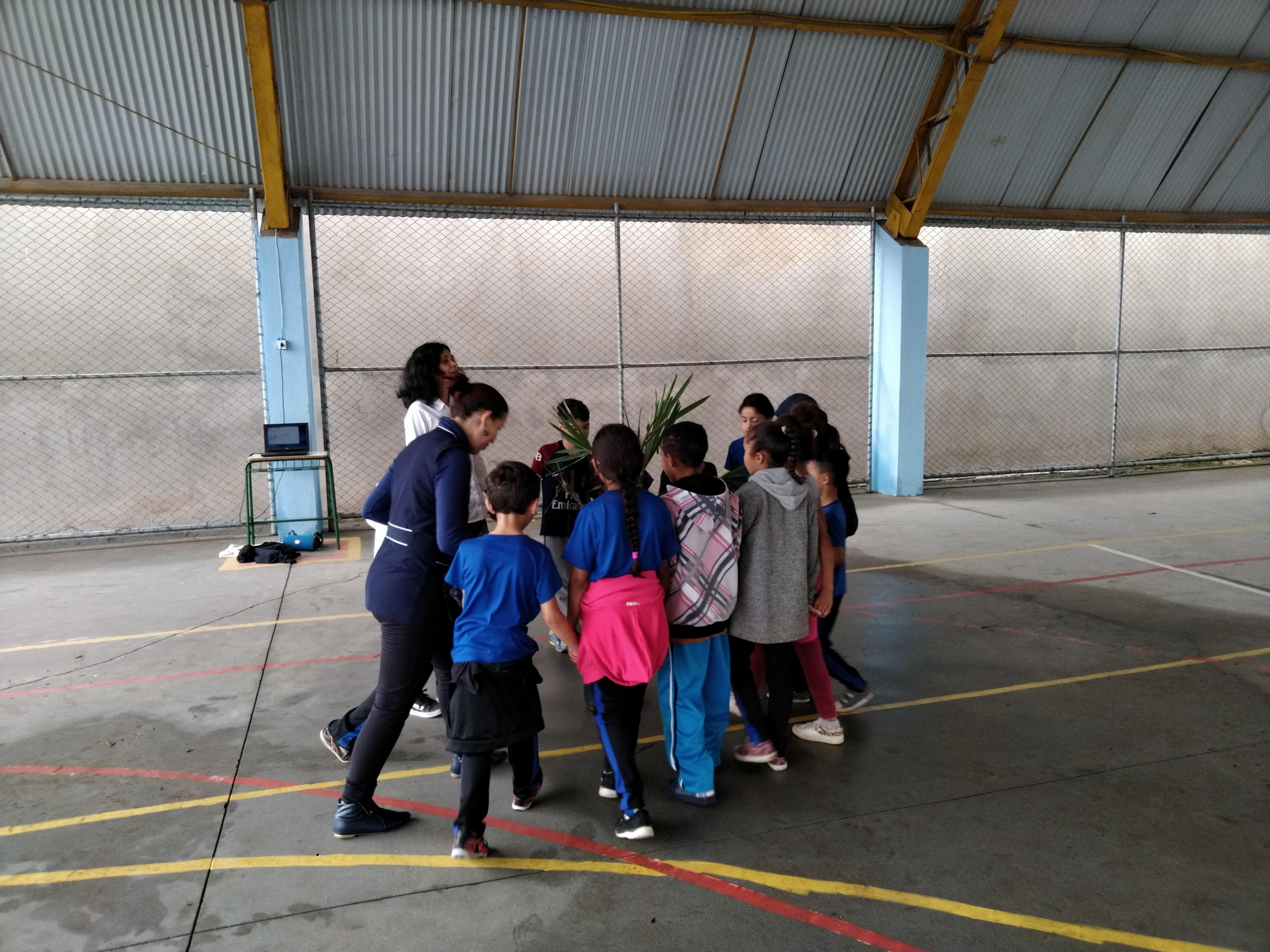 Dança Circular na UEI Pilarzinho