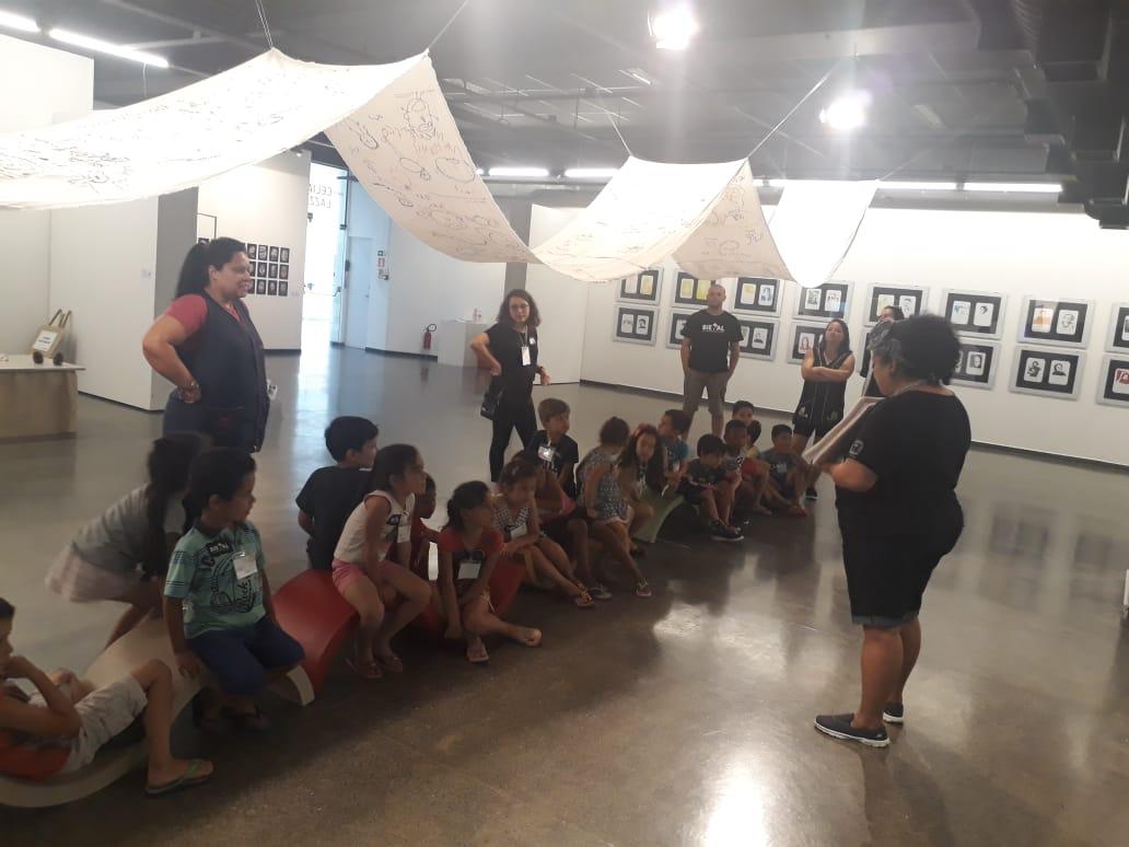 VISITA DA TURMA DO PRÉIIB AO MUSEU DE ARTE MUMA