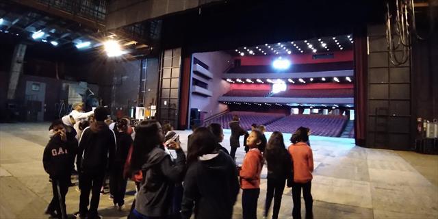 Visita guiada ao Teatro Guaíra proporciona um pass