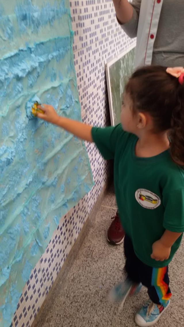 Infantil V fazendo Arte!