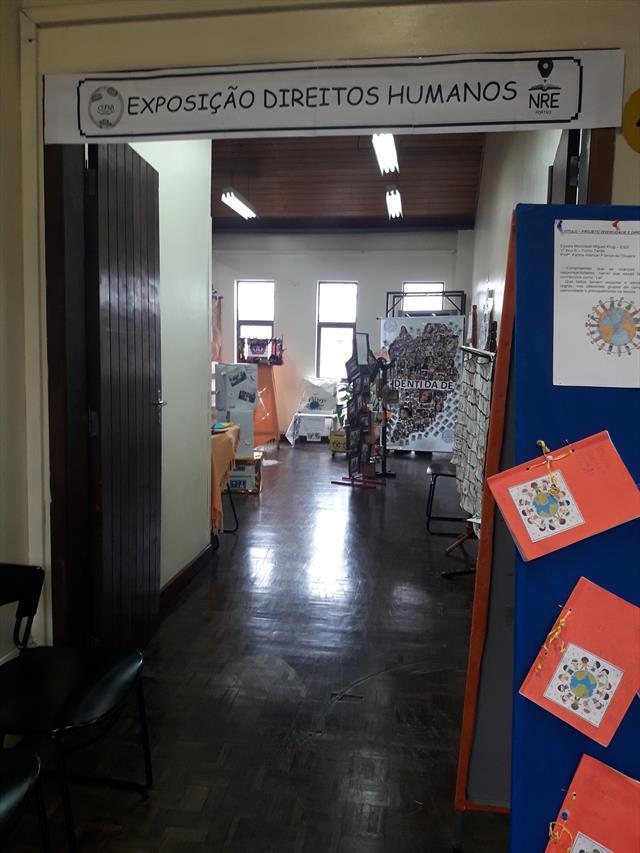 Exposição Direitos Humanos NRE-PR