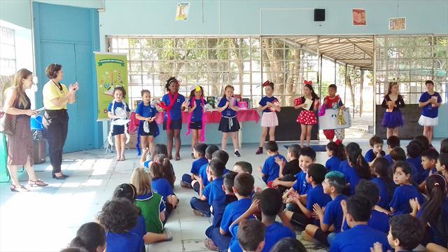 Cooperando com a Educação - EM CEI Doutel de Andra