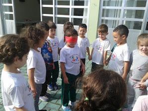 As crianças do Pré II B realizaram uma pesquisa co