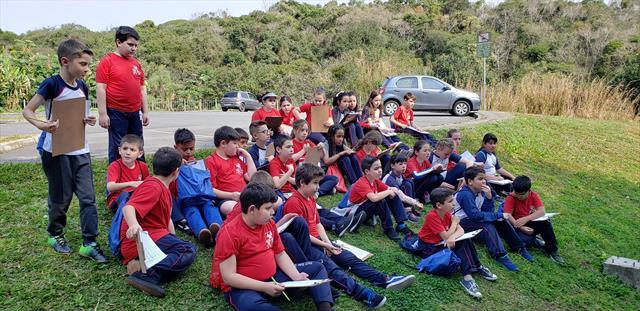 Aula no Parque Vista Alegre - EM Ana Hella - Linhas do Conhecimento
