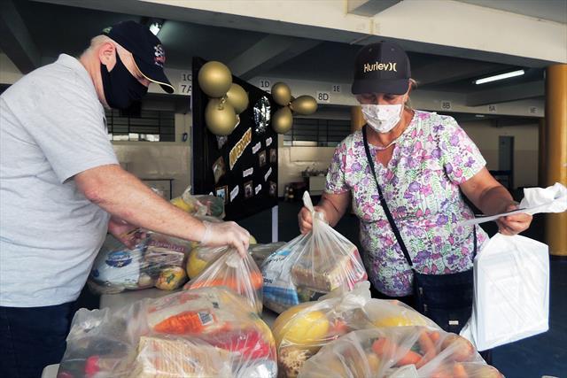 Entrega dos kits de alimentação de dezembro, na es