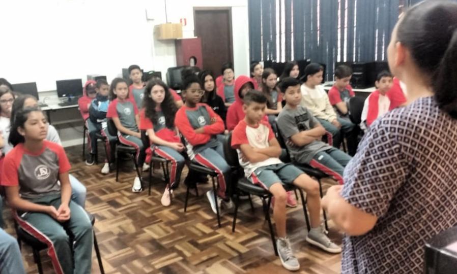 Bate-papo sobre Saúde na EM Júlia A. Di Lenna
