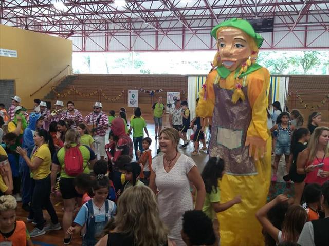 Diversão e Muito Samba na Praça Osvaldo Cruz