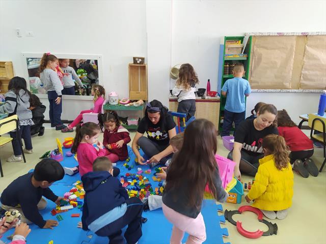 Chegada das crianças no CMEI