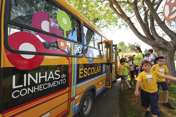 Crianças de diversas escolas municipais participam